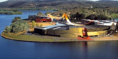Национальный Музей Австралии на Полуострове Актона.
